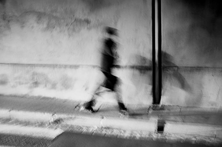 fantôme cours d'appel d'Aix, 13100 Aix en Provence photo de Guy Monnet noir et blanc de la série flânerie aixoise