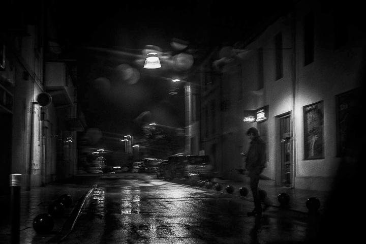 nuit noire photo ambiance de film noir dense