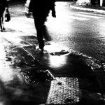 poursuite grain photo contre jour, contraste 13100 Aix en Provence photo de Guy Monnet noir et blanc de la série flânerie aixoise