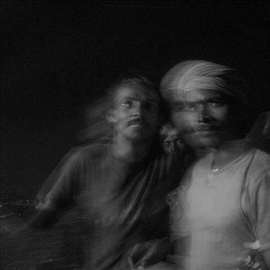 photo floue Tiruvannamala Tamil Nadu de Guy Monnet noir et blanc de la série Karthikai Deepam Tamil Nadu Inde